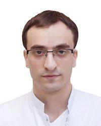 Мирзоян Айк – дежурный хирург хирургической клиники ЕМС. Проведение плановых и экстренных общехирургических амбулаторных и стационарных операций.