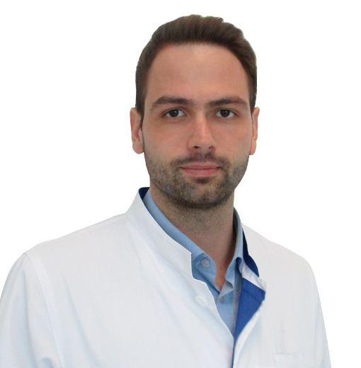 ТИТКОВ Максим, Психиатр, специалист по аддикциям, клиника ЕМС Москва