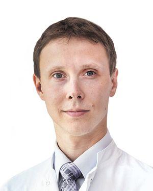Аксенов Сергей Юрьевич - хирург-ортопед-травматолог клиники спортивной травматологии и ортопедии ESCTO. Лечение открытых и закрытых переломов .