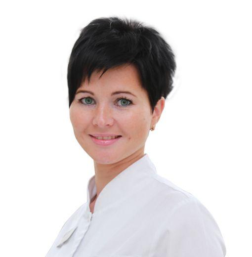БАЦМАНОВА Раксана, Старшая медицинская сестра клиники в Орловском переулке, клиника ЕМС Москва
