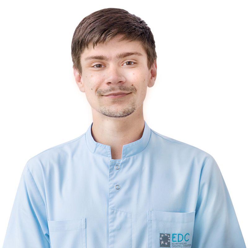 БЫЧКОВ Дмитрий, Зубной техник, клиника ЕМС Москва