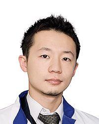 Эсаки Хаджимэ - врач общей практики терапевтической клиники ЕМС. Ежегодная диагностика.