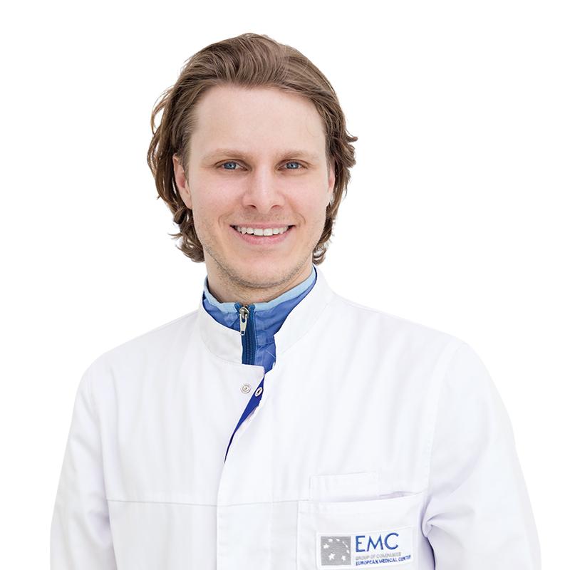 ГУЛИНОВ Кирилл, Онколог, клиника ЕМС Москва