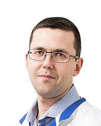 Логинов Павел Вадимович - врач общей практики терапевтической клиники ЕМС. Запись к семейному врачу.