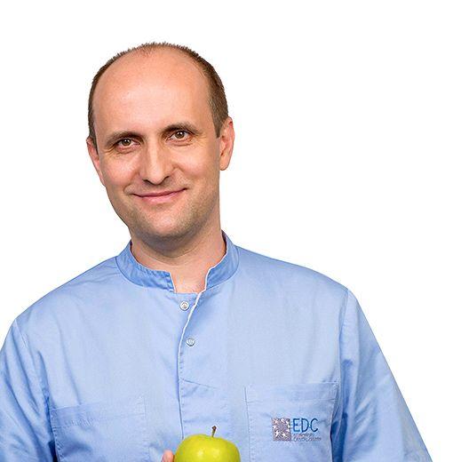 МАЛИКОВ Александр, Стоматолог-терапевт, клиника ЕМС Москва