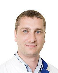 Маряшев Сергей Алексеевич - нейрохирург клиники неврологии и нейрохирургии ЕМС. Проведение эндоваскулярных нейрохирургических операций.