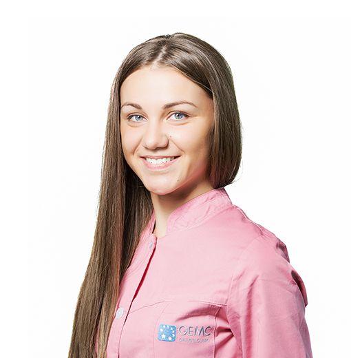 ОБУХОВА Анастасия, Медицинская сестра, клиника ЕМС Москва