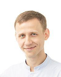 Татаринцев Сергей Сергеевич - стоматолог-терапевт стоматологической клиники ЕМС. Прайс-лист лечения зубов.
