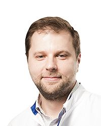 Трошин Дмитрий Валерьевич – семейный врач терапевтической клиники ЕМС. Оформление историй болезней пациентов.