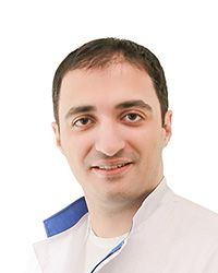 Якобашвили Ираклий - оториноларинголог–хирург клиники оториноларингологии, хирургии головы и шеи ЕМС. Лечение паралича голосовых складок.
